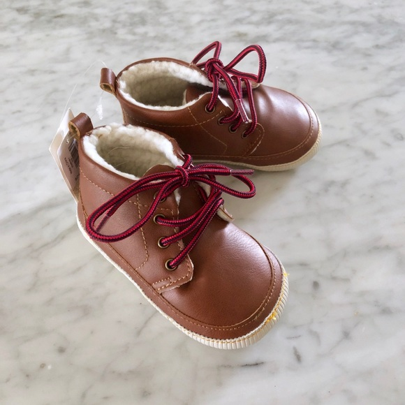 GAP Other - toddler shoes 12-18 months NWT